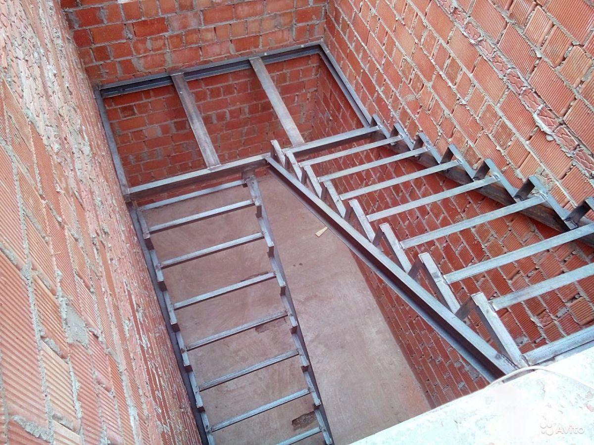 Как сделать лестницу если есть металлический каркас 134